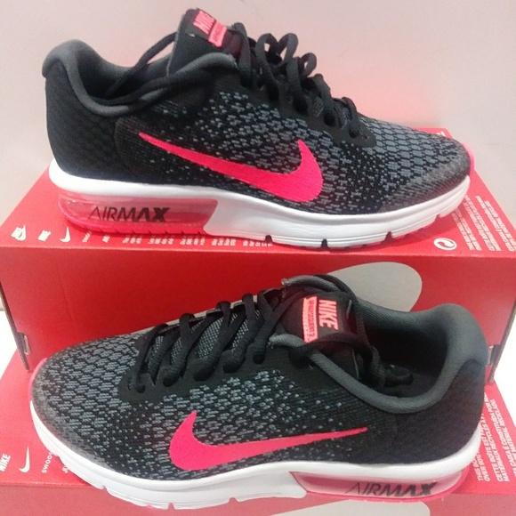 best website 2d90c e6997 NEW Women s Size 7.5 Nike Air Max Sequence